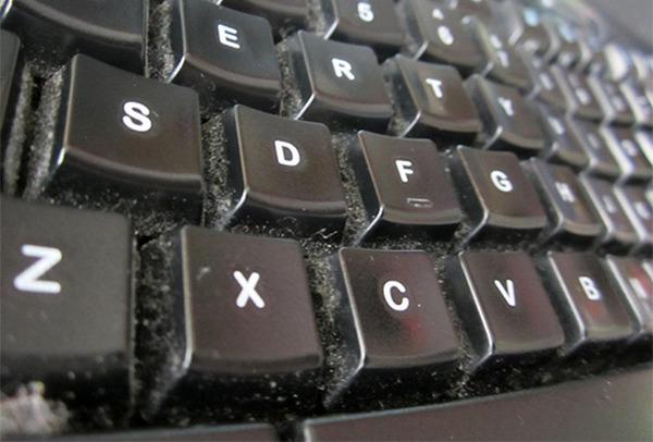 cách vệ sinh bàn phím máy tính nhanh chóng